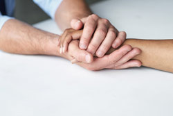 7 Steps To Help Someone Who Is Grieving